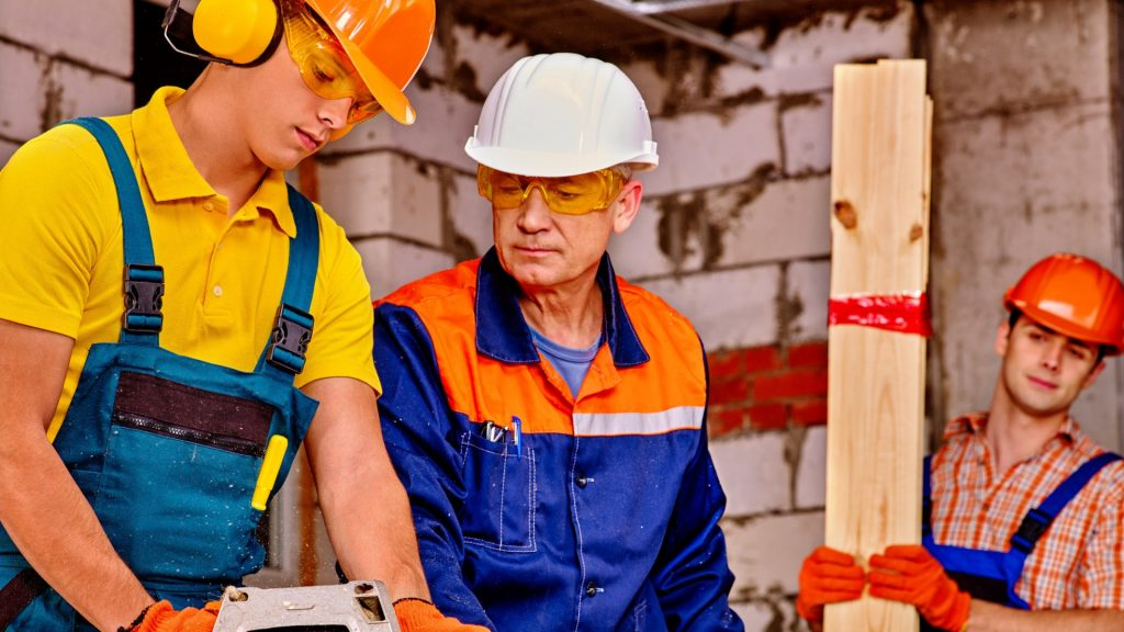 Why you should hire a licensed and insured builder