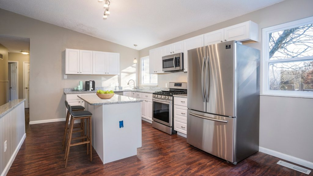how to remodel an old house kitchen